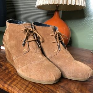 TOMS Brown Wedge Booties - Women's W11